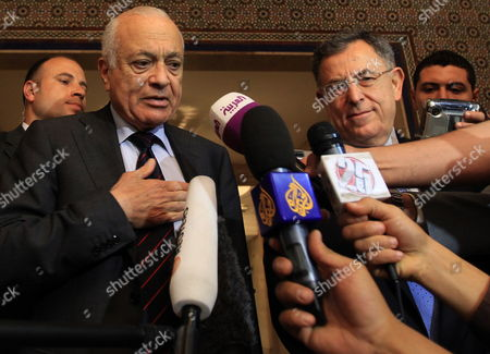 Arab League Secretary General Nabil Alaraby (2-l) Addresses a Joint Press Conference with Lebanese Former Prime Minister and Head of the Future Parliamentary Bloc Fouad Siniora (2-r) Following Their Meeting at the League's Headquarters in Cairo Egypt 29 April 2012 Egypt Cairo