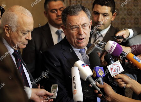 Lebanese Former Prime Minister and Head O the Future Parliamnatry Bloc Fouad Siniora (2-r) Addresses a Joint Press Conference with Arab League Secretary General Nabil Alaraby (l) Following Their Meeting at the League's Headquarters in Cairo Egypt 29 April 2012 Egypt Cairo