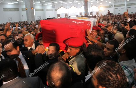 Egyptian Military Personnel Carry the Coffin of Former Intelligence Chief and Vice-president of Former Egyptian President Hosni Mubarak Omar Suleiman During His Funeral in Cairo Egypt 21 July 2012 Suleiman Has Died in a Us Hospital on 19 July 2012 Egypt Cairo