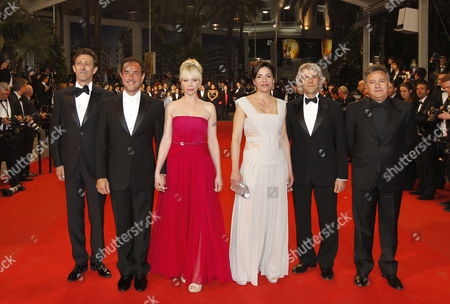 Italian Director Matteo Garrone (2-l) Italian Actress Loredana Simioli (3-r) Italian Actor Nando Paone (l) and Guests Arrive For the Screening of 'Reality' During the 65th Cannes Film Festival in Cannes France 18 May 2012 the Movie is Presented in the Official Competition of the Festival Which Runs From 16 to 27 May France Cannes