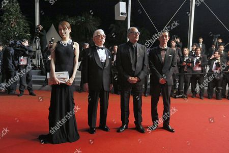 Japanese Actress Rin Takanashi (l) Iranian Director Abbas Kiarostami (2-r) Japanese Actor Tadashi Okuno (2-l) and Japanese Actor Ryo Kase (r) Arrive For the Screening of 'Like Someone in Love' During the 65th Cannes Film Festival in Cannes France 21 May 2012 the Movie is Presented in the Official Competition of the Festival Which Runs From 16 to 27 May France Cannes
