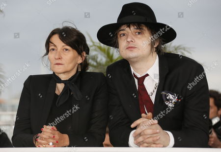 British Musician Pete Doherty (r) and French Director Sylvie Verheyde (l) Pose During the Photocall For 'Confession of a Child of the Century' at the 65th Cannes Film Festival in Cannes France 20 May 2012 the Movie is Presented in the 'Un Certain Regard' Section of the Festival Which Runs From 16 to 27 May France Cannes