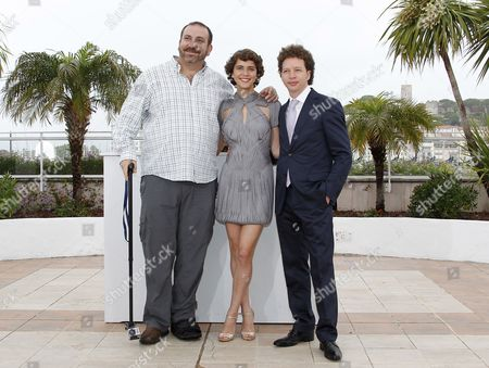 (l-r) Actors Hernan Mendoza Tessa La Gonzales and Mexican Director Michel Franco Poses During the Photocall For 'Despues De Lucia' at the 65th Cannes Film Festival in Cannes France 21 May 2012 the Movie is Presented in the 'Un Certain Regard' Section of the Festival Which Runs From 16 to 27 May France Cannes