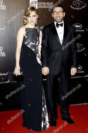 Us Actress Melissa George (l) and French Entrepreneur Jean-david Blanc (r) Arrive For the Benefit Event 'Haiti: Carnival in Cannes' During the 65th Cannes Film Festival in Cannes France 18 May 2012 the Festival Which Runs From 16 to 27 May Welcomes a Benefit Event in Support of Several Organizations For Their Work in Haiti After the 12 January 2010 Earthquake France Cannes