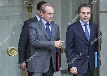 French Defense Minister Gerard Longuet (l) and French Minister of Education Luc Chatel (r) Leave the Elysee Palace After the Final Government Cabinet Meeting in Paris 09 May 2012 Fillon Announced That He Will Present His Government's Resignation to Outgoing President Nicolas Sarkozy Ahead of the Official Presidency Hand-over to President-elect Francois Hollande to Be Held 15 May France Paris