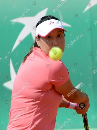 Tamarine Tanasugarn of Thailand Returns to Carla Suarez Navarro of Spain During Their First Round Match For the French Open Tennis Tournament at Roland Garros in Paris France 28 May 2012 France Paris