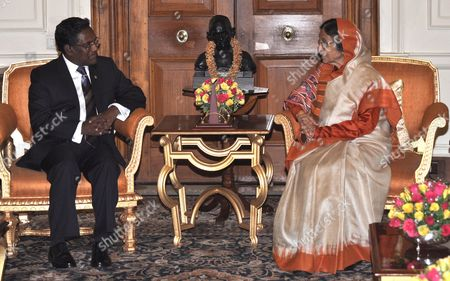 Maldives' President Mohamed Waheed Hassan Manik (l) During a Meeting with the President of India Pratibha Devisingh Patil at the Presidential Palace in New Delhi 12 May 2012 Manik is on a Five-day Visit to India India New Delhi