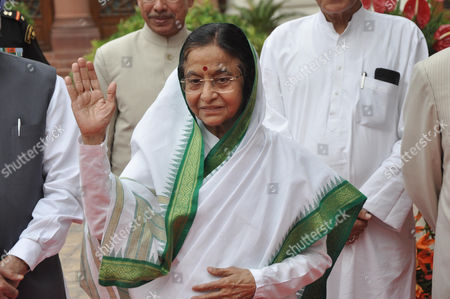 Outgoing President of India Pratibha Devisingh Patil Waves As She Leaves For Her Farewell Program at the Central Hall of Parliament in New Delhi 23 July 2012 Newly Elected President Pranab Mukherjee who Defeated Bhartiya Janata Party (bjp) Backed Candidate Pa Sangma Will Take Charge on 25 July 2012 As the New President of India India New Delhi