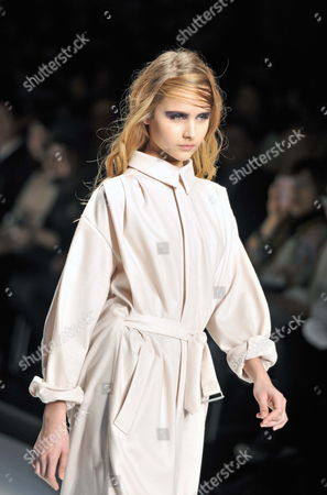 A Model Presents a Creation by Japanese Designer Kamishima Chinami During the Mercedes-benz Fashion Week in Tokyo Japan 19 March 2012 the Presentation of the Fall/winter 2012/13 Collections Runs From 18 to 24 March Japan Tokyo