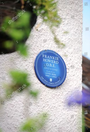 Frankie Howerd's Dead Comics Society blue plaque