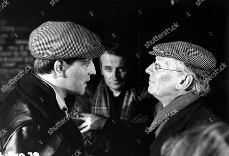 'This Sporting Life'   Film Behind the scenes with Director Lindsay Anderson (centre) Richard Harris (left) and William Hartnell