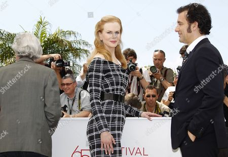 (l-r) Us Director Philip Kaufman Australian Actress Nicole Kidman and British Actor Clive Owen Pose During the Photocall For 'Hemingway and Gellhorn' at the 65th Cannes Film Festival in Cannes France 25 May 2012 the Movie is Presented out of Competition at the Festival Which Runs From 16 to 27 May France Cannes