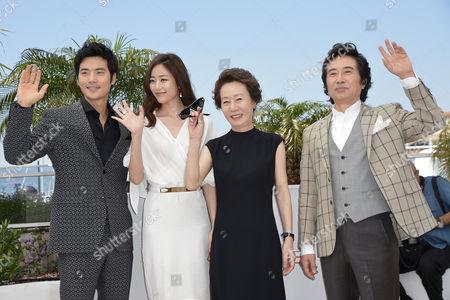 (l-r) South Korean Actor Kim Kang-woo South Korean Actress Kim Hyo-jin South Korean Actress Youn Yuh-jung and South Korean Actor Baek Yoon-sik Pose During the Photocall For 'Do-nui Mat' (the Taste of Money) at the 65th Cannes Film Festival in Cannes France 26 May 2012 the Movie is Presented in the Official Competition of the Festival Which Runs From 16 to 27 May France Cannes