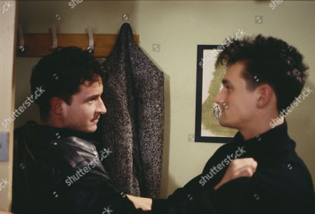 Matthew Vaughan (as Michael Feldmanm) and Stuart Wolfenden (as Chuck) as Michael and Rachel are terrorised in their home (Episode 1646, 26th March 1992)