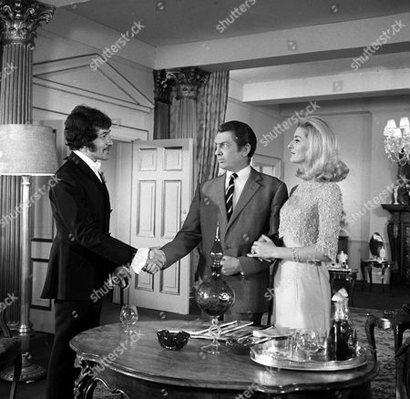 'Department S' - 'The Shift That Never Was' -  Peter Wyngarde, Eric Lander and Caroline Blakiston