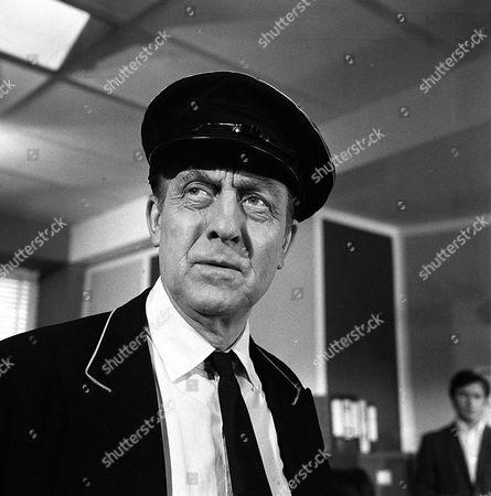 'Department S' - Last Train to Redbridge - TV - 1969 - Frank Forsyth