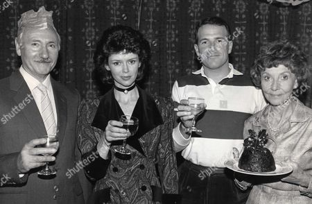 'Crossroads'    TV    Series 1 Denis Holmes, Gabrielle Drake, Martin Smith and Clare Kelly