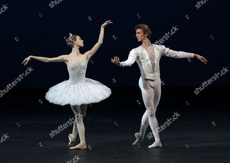 Dancers Semyon Chudin (r) and Olga Smirnova (l) Perform During the Dress Rehearsal of 'The Jewels' at the Bolshoi Theater in Moscow Russia 04 May 2012 the Ballet by George Balancine in Three Parts Will Be Premiered on 05 May Russian Federation Moscow