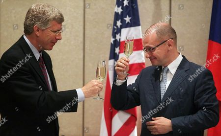 Us Department of Energy Deputy Secretary Daniel Poneman (l) and State Atomic Energy Corporation 'Rosatom' Director General Sergei Kiriyenko (r) Toast After Signing an Agreement on the Conversion of Research Nuclear Reactors From High-enriched to Low-enriched Uranium Fuel Between Russia and Usa During the Bilateral Presidential Commission's Nuclear Energy and Nuclear Security Working Group Session in Moscow Russia 26 June 2012 Russia and Usa Signed an Intergovernmental Agreement For Scientific and Technical Cooperation in the Field of Peaceful Atomic Energy in Autumn 2012 Sergei Kiriyenko Said Russian Federation Moscow