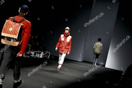 Models Wear Creations Designed by Choi Bum-suk During the 2012-2013 Fall/winter Seoul Fashion Week in Seoul South Korea 03 April 2012 Seoul Fashion Week Takes Place From 02 to 07 April 2012 Korea, Republic of Seoul