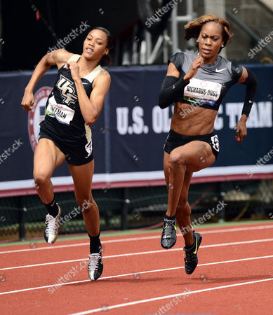 Sanya Richards-ross (r) Rounds the Turn Along with Octavious Freeman (l) During the Women 200 Meter Semi-finals at the 2012 Olympic Trials in Eugene Oregon Usa 29 June 2012 United States Eugene