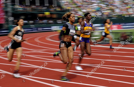 Sanya Richards-ross (c) Rounds the Turn During the Women 200 Meter Semi-finals at the 2012 Olympic Trials in Eugene Oregon Usa 29 June 2012 United States Eugene