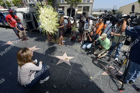 Reporters Gather Around the Star of Us Actor Andy Griffith on the Hollywood Walk of Fame in Hollywood California Usa 03 July 2012 the Popular Actor Known For His Role As Sheriff Andy Taylor in the Andy Griffith Show Died Today at the Age of 86 at His North Carolina Home United States Hollywood
