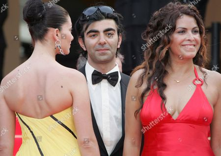 (l-r) Turkish Actress Nurgul Yesilcay Turkish Director Fatih Akin and Turkish Actress Nursel Kose Arrive For a Gala Screening of Turkish Director Fatih Akin's Film 'The Edge of Heaven' ('auf Der Anderen Seite') Running in Competition at the 60th Cannes Film Festival 23 May 2007 in Cannes France