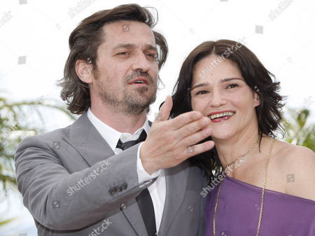 Italian Actress Chiara Caselli (r) and French Actors Louis-do De Lencquesaing (l) Attend the Photocall For the Film 'Le Pere De Mes Enfants' by Mia Hansen-love Running in Competition in the 62nd Edition of the Cannes Film Festival in Cannes France 17 May 2009