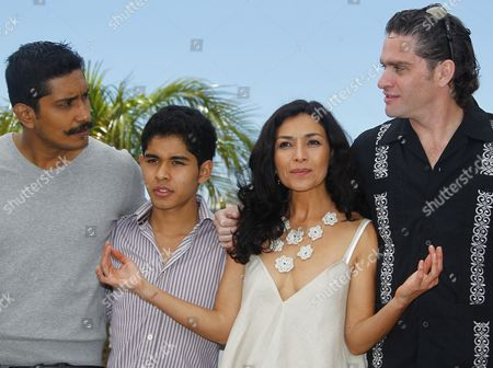 (l-r) Mexican Actor Tenoch Huerta Actor Kristian Ferrer Mexican Actress Dolores Heredia and Mexican Director Everardo Gout Pose During the Photocall For 'Dias De Gracia' (days of Grace) at the 64th Cannes Film Festival in Cannes France 17 May 2011 the Movie by Everardo Gout is Presented in the 'Midnight Screenings' Section of the Film Festival Running From 11 to 22 May France Cannes