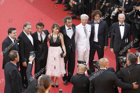 (l-r) Irish Actor Simon Delaney Us Actor Judd Hirsch Us Actor Sean Penn Irish Actress Eve Hewson Italian Director Paolo Sorrentino Scottish Born Musician David Byrne Israeli Actor Liron Levo and German Actor Heinz Lieven Arrive For the Screening of 'This Must Be the Place' During the 64th Cannes Film Festival in Cannes France 20 May 2011 the Movie by Paolo Sorrentino is Presented in the Official Competition of the Film Festival Running From 11 to 22 May France Cannes