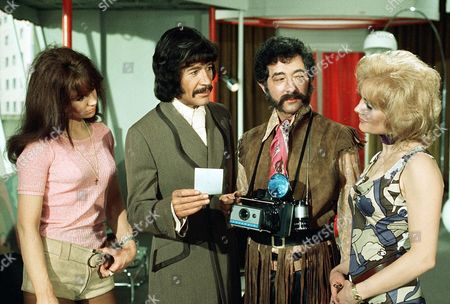 'Jason King'  - 'A Page Before Dying' - Peter Wyngarde, Harry Landis and Jenny Lee Wright