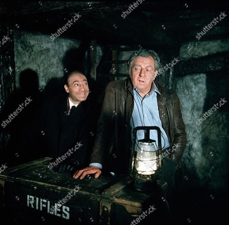 'Man in a Suitcase' - 'The Man Who Stood Still' - Cyril Shaps and Rupert Davies