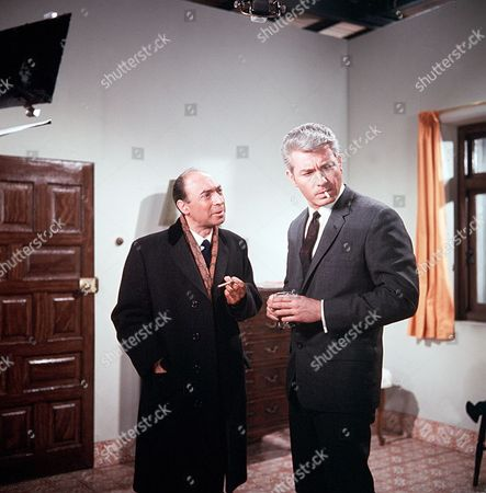 Stock Picture of 'Man in a Suitcase' - 'The Man Who Stood Still' - Cyril Shaps and Richard Bradford
