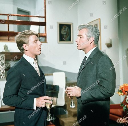 'Man in a Suitcase' TV - Castle in the Clouds - 1968 - Edward Fox, Richard Bradford.