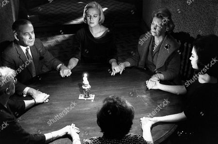 'Seance on a Wet Afternoon'   Film Kim Stanley holds a Seance
