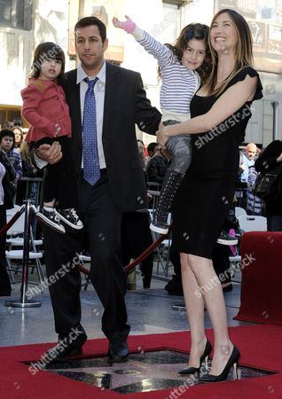 Us Actor Adam Sandler (2l) Holds His Daughter Sunny Sandler (l) and His Wife Jackie Sandler (r) Holds Her Daughter Sadi (2r) As They Stand on His Star on the Hollywood Walk of Fame in Hollywood California Usa 01 February 2011 Sandler was Honored with Star on Hollywood Boulevard United States Hollywood