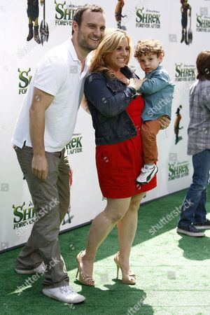Us Actress Marissa Jaret Winokur Arrives with Husband Judah Miller and Son Zev at the Usa/la Premiere of Dreamworks Animation's 'Shrek Forever After' Held at the Gibson Amphitheatre at Universal City in Los Angeles on May 16 2010 the Movie Shows a Domesticated Shrek who Pacts with Deal-maker Rumpelstiltskin to Get Back to Feeling Like a Real Ogre Again But when He's Duped and Sent to a Twisted Version of Far Far Away -- where Rumpelstiltskin is King Ogres Are Hunted and He and Fiona Have Never Met -- He Sets out to Restore His World and Reclaim His True Love and Will Be Released in the Us 21 May 2010 Epa/nina Prommer United States Los Angeles
