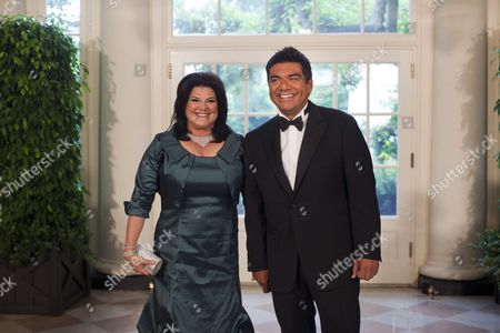 Us Comedian George Lopez Accompanied by His Wife Ann M Lopez Arrives at the White House's Second State Dinner For Mexican President Phillipe Calderon and His Wife Mrs Zavalas in Washington Dc Usa on 19 May 2010 Mexican President Calderon is in Washington For a State Visit to Discuss with President Obama the Issues of Immigration and Security Cooperation United States Washington