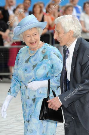 Britain's Queen Elizabeth Ii is Escorted by Royal Academy President Martin Rees As She Arrives For the Royal Society's 350th Anniversary Convocation Held at the Royal Festival Hall in South London Britain 23 June 2010 the Royal Society is the National Academy of Science of the Uk and the Commonwealth It Supports Young Scientists Engineers and Technologists Influences Science Policy and Debates Scientific Issues with the Public It is an Independent Charitable Body Which Derives Its Authoritative Status From Over 1400 Fellows and Foreign Members United Kingdom London