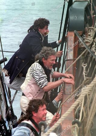 'Hornblower'   TV   Series 3 Picture Shows: Ioan Gruffudd (Hornblower), Paul Copley (Matthews) and Sean Gilder (Styles)