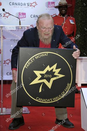 Canadian Author Farley Mowat Poses with His Sidewalk Star at the 13th Annual Canada's Walk of Fame Ceremony in Toronto Canada on 16 October 2010 the Walk of Fame Honors Those who Have Excelled in the Arts Entertainment Sport and Science Canada Toronto