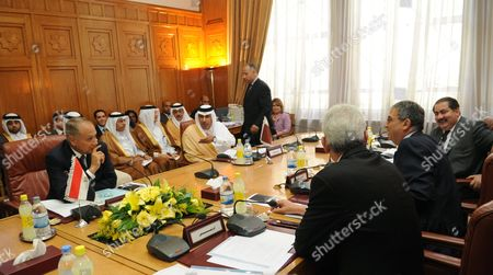 Arab League Secretary General Amr Moussa (2r) Sits with the Foreign Ministers of Iraq Hoshyar Mahmud Zebari (r) Libya Mousa Kousa (3r) Egypt Ahmed Ali Aboul Gheit (l) Qatar Hamad Bin Jasim Bin Jabir Al-thani (4l) and Yemen Abu Bakr Abdallah Al-qirbi (not in the Picture) During a Meeting at the Arab League Headquarters in Cairo Egypt 03 June 2010 the Meeting was Held Between the Five Arab Countries Foreign Ministers to Discuss How to Develop Commom Arab Countries Cooperation Means Egypt Cairo