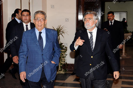 Arab League Secretary General Amr Moussa (l) Walks with Portuguese Foreign Minister Luis Amado (r) Following Their Meeting in Cairo Egypt 09 May 2011 Amado Arrived on Official Visit to Egypt Coming From Qatar where He Attended the Opening Session of Doha Forum and Enriching the Middle East Economic Future Conference Egypt Cairo