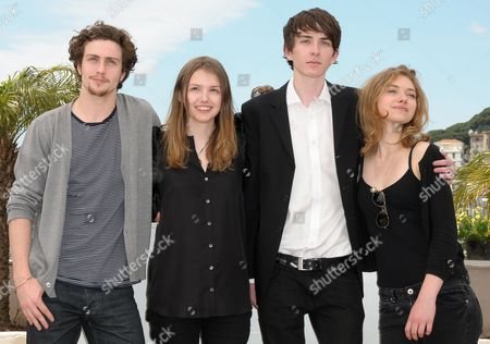 (l-r) English Actors Aaron Johnson Hannah Murray Matthew Beard and Imogen Poots Pose During the Photocall of the Movie 'Chatroom' During the 63rd Cannes Film Festival in Cannes France 14 May 2010 the Movie by Japanese Director Hideo Nakata is Presented in the 'Un Certain Regard' Selection at the Cannes Film Festival 2010 Running From 12 to 23 May France Cannes