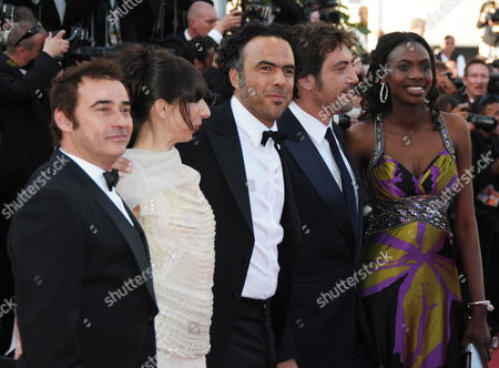 (l-r) Spanish Actor Eduard Fernandez Argentinian Actress Maricel Alvarez Mexican Director Alejandro Gonzalez Inarritu Spanish Actor Javier Bardem and Actress Diaryatou Daff Arrive For the Screening of the Movie 'Biutiful' During the 63rd Cannes Film Festival in Cannes France 17 May 2010 the Movie by Alejandro Gonzalez Inarritu is Presented in Competition at the Cannes Film Festival 2010 Running From 12 to 23 May France Cannes