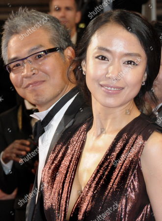 South-korean Director Im Sang-soo (l) and South-korean Actress and Cast Member Jeon Do-youn (r) Arrive For the Screening of the Movie 'The Housemaid' During the 63rd Cannes Film Festival in Cannes France 14 May 2010 the Movie by Im Sang-soo is Presented in Competition at the Cannes Film Festival 2010 Running From 12 to 23 May France Cannes