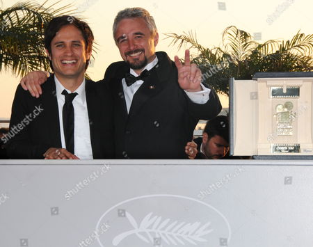Mexican Director Michael Rowe (r) Poses with Mexican Actor and President of the Camera D'or Jury Gael Garcia Bernal (l) During a Photocall After He Received the Golden Camera (camera D'or) Award For His Movie 'Ano Bisiesto' at the 63rd Cannes Film Festival in Cannes France 23 May 2010 France Cannes