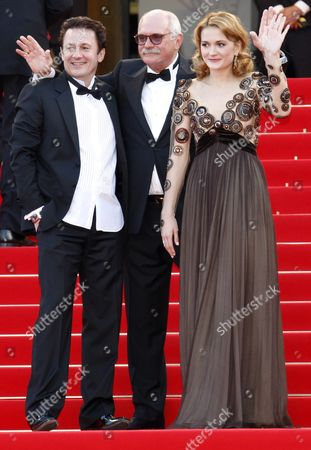 (l-r) Russian Actor Oleg Menshikov Russian Actress Nadezhda Mihalkova and Russian Director Nikita Mikhalkov Arrive For the Screening of the Movie 'Utomlyonnye Solntsem 2: Predstoyanie' (the Exodus - Burnt by the Sun 2) During the 63rd Cannes Film Festival in Cannes France 22 May 2010 the Movie by Nikita Mikhalkov is Presented in Competition at the Cannes Film Festival 2010 Running From 12 to 23 May France Cannes