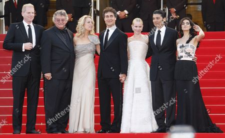 (l-r) Us Actor Noah Emmerich Joseph C Wilson and His Wife Former Cia Agent Valerie Plame Us Director Doug Liman British Actress Naomi Watts Egyptian Actor Khaled Nabawy and Israeli Actress Liraz Charhi Arrive For the Screening of the Movie 'Fair Game' During the 63rd Cannes Film Festival in Cannes France 20 May 2010 the Movie by Doug Liman is Presented in Competition at the Cannes Film Festival 2010 Running From 12 to 23 May France Cannes